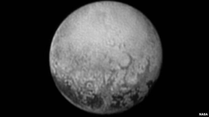 La NASA maravillada con las fotos de Plutón