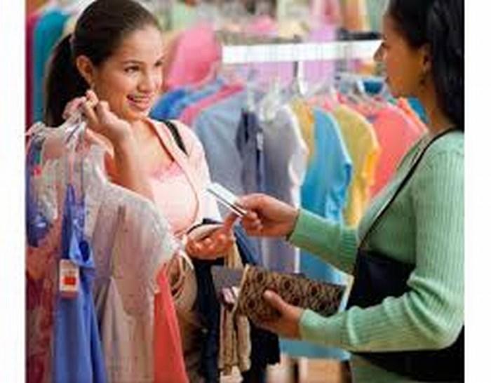 Mexicanos compran menos ropa y desodorante por más bebidas