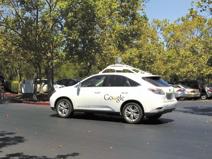Google inicia prueba de sus autos inteligentes