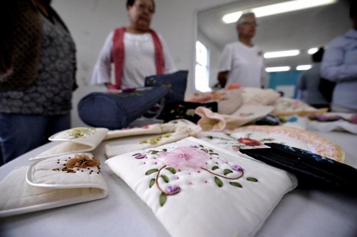 """Saltillo: """"Clases en el Centro Comunitario han sido una terapia"""""""