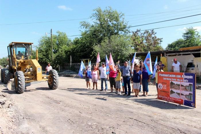 Sabinas: Alcalde puso en marcha pavimentación con adoquín en la Melchor Dávila