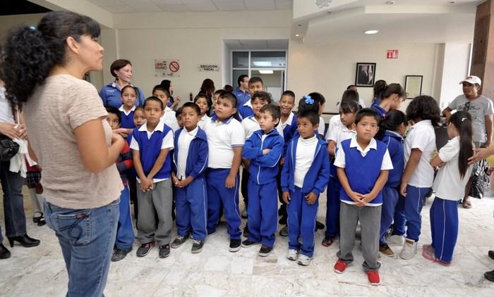 Saltillo: Visitan estudiantes del poniente la Presidencia Municipal