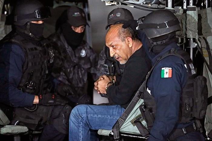 """Estoy detenido """"por liderar una banda de pendejos"""""""