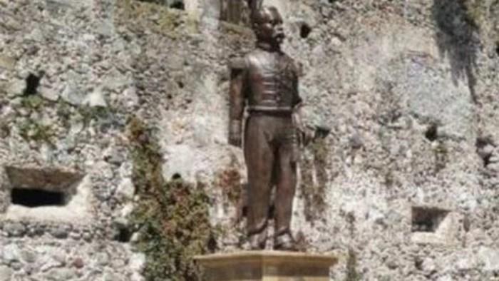 Develan estatua de Porfirio Díaz en Orizaba