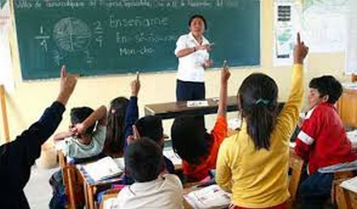 Dan de baja a 291 maestros que no se evaluaron