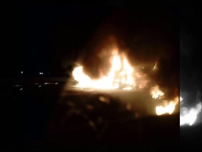 Chocan y se incendian dos tráileres en autopista Arco Norte
