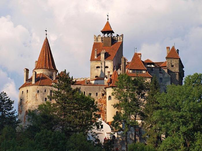 Se pone a la venta el castillo de Drácula.