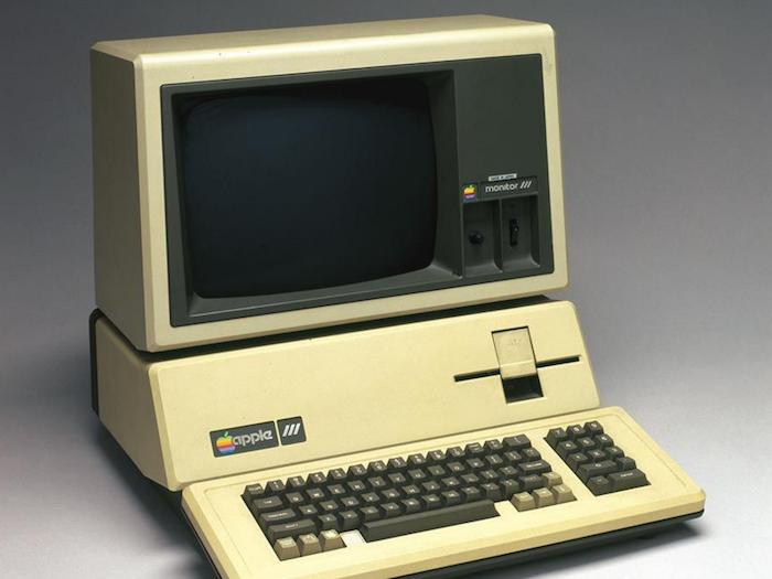 Los compradores de un Apple III serían millonarios si hubiesen invertido ese dinero en acciones.
