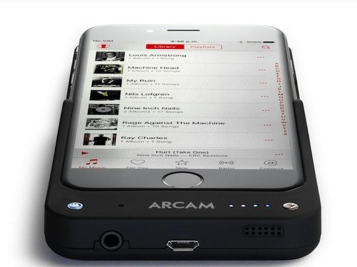 Arcam MusicBoost, una carcasa con DAC, batería y amplificador de auriculares para los nuevos iPhone