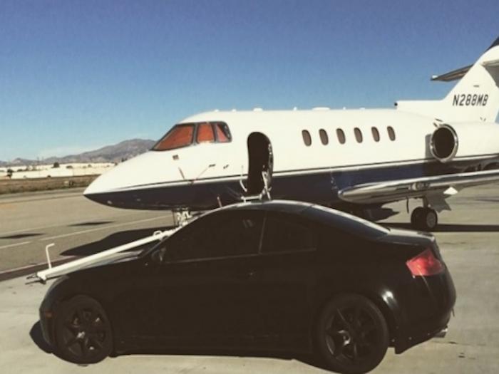 Autoridades investigan vuelo de 500 mil pesos en donde Kate y Sean viajaron para ver a 'El Chapo'