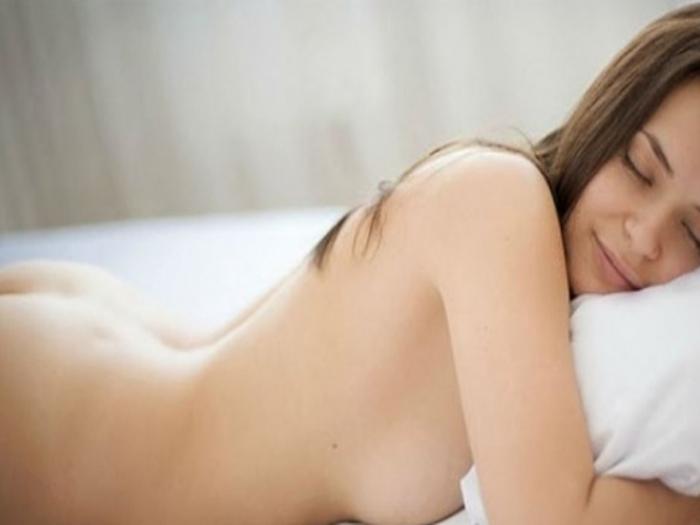 Dormir con ropa interrumpe el ciclo normal del sueño