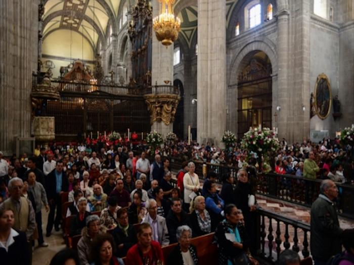 Arquidiócesis recomienda no asistir a misa si tienen síntomas de influenza