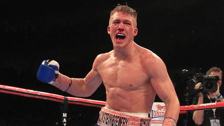 El boxeador Nick Blackwell en coma inducido tras brutal pelea en Londres