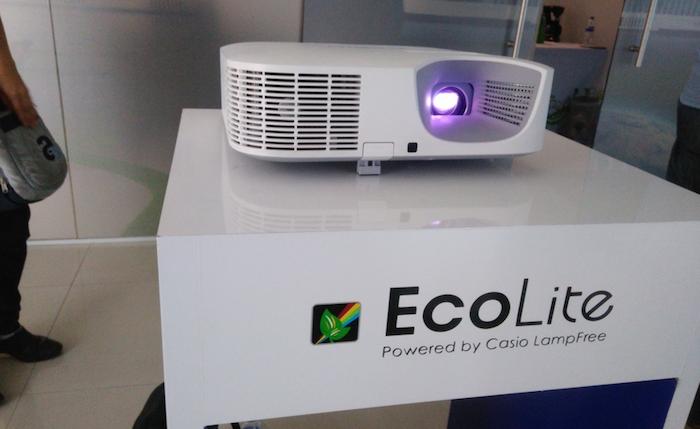 Casio trae a México nueva línea de proyectores LampFree