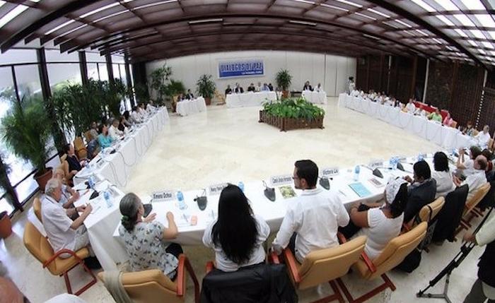 Colombia: FARC y gobierno acuerdan blindar jurídicamente el acuerdo de paz