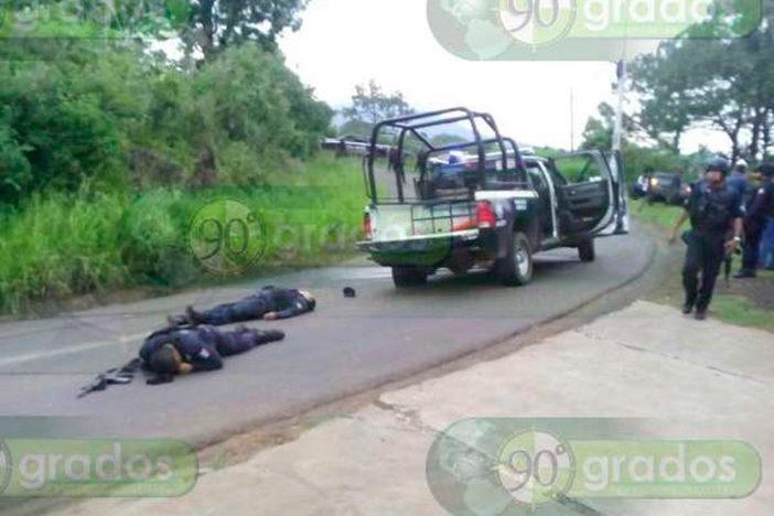 Emboscada deja 3 policías muertos y 8 más heridos en Michoacán