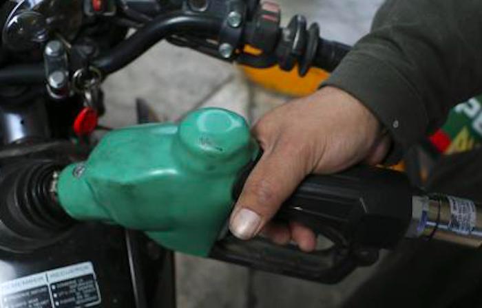 Pemex garantiza abasto de combustible a pesar de paro en Cadereyta
