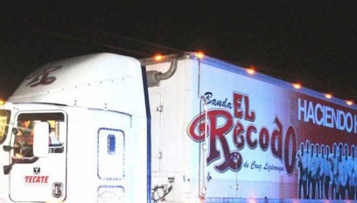 Intentan asaltar uno de los camiones de la Banda El Recodo