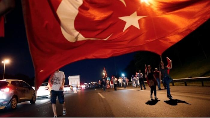 Turquía ha perdido 100 mmdd por fallido golpe de Estado