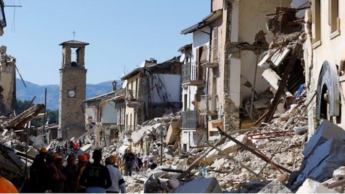 Asciende a 159 el número de muertos por sismo en Italia