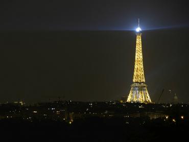 Evacuan 'por error' Torre Eiffel de París