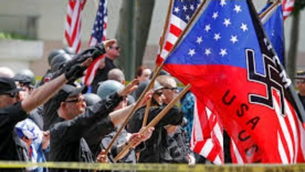 Trump, respaldado por neonazis, racistas y miembros del Ku Klux Klan: reporte