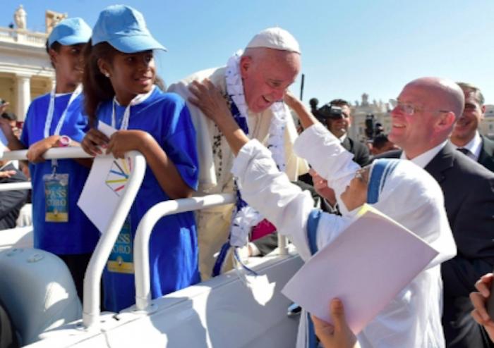 Papa Fancisco proclama como santa a la madre Teresa de Calcuta