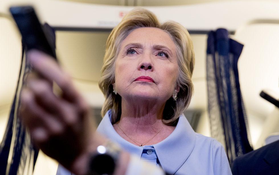 Se dice Clinton preocupada por supuesta interferencia de Rusia en elecciones