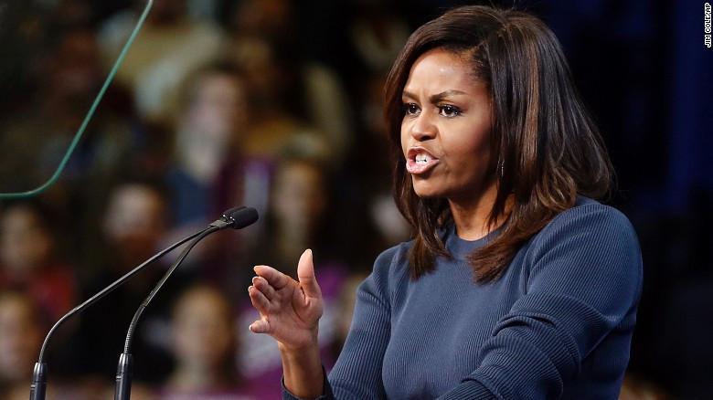 Un comentario racista sobre Michelle Obama le cuesta el cargo a una alcaldesa