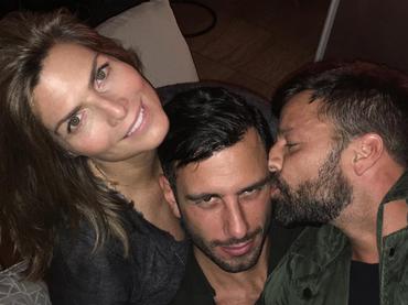 Montserrat Oliver convive con Ricky Martin y su novio