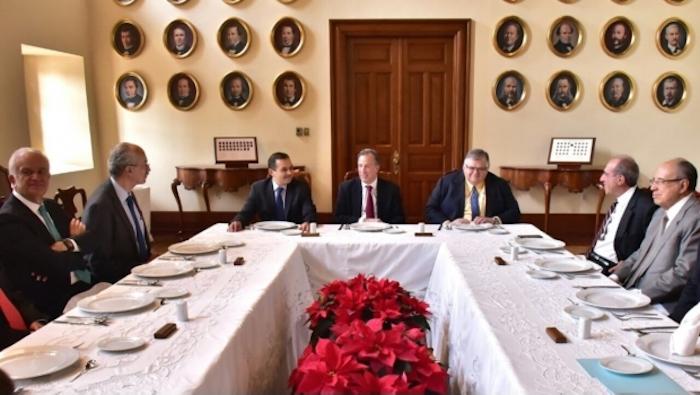 Se reúne José Antonio Meade con ex secretarios de Hacienda