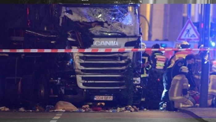 Suman 12 muertos y 48 heridos por posible atentado en Berlín