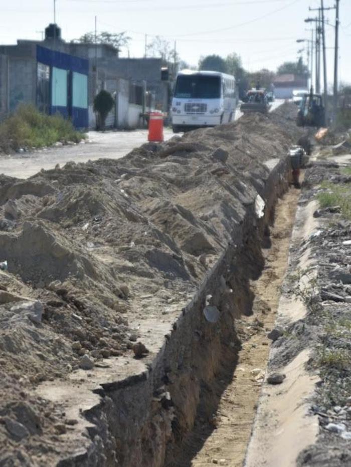 Saltillo:Llevan drenaje a Colonia Omega