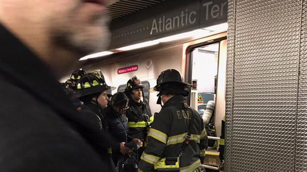 Descarriló un tren en Nueva York: al menos 76 heridos