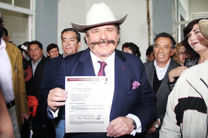 Se registra Armando Guadiana por Morena; va por Gubernatura de Coahuila