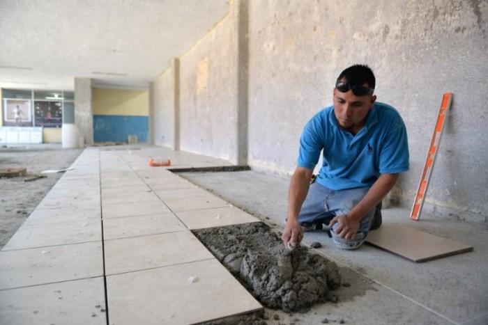 Registra importantes avances remodelación de Gimnasio Municipal.
