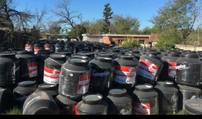 Entrega ilegal  de tinacos y material para Impermeabilizar en Coahuila