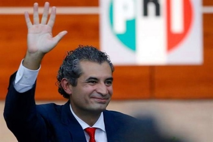Líder nacional del PRI declara ser de NL y adquiere 18 taxis