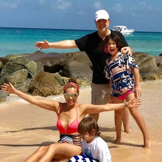 """Thalía y Tommy Mottola presumen a sus """"enormes"""" hijos"""