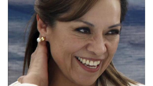 Lo esperado: la campaña de Josefina hace agua y se retiran líderes panistas