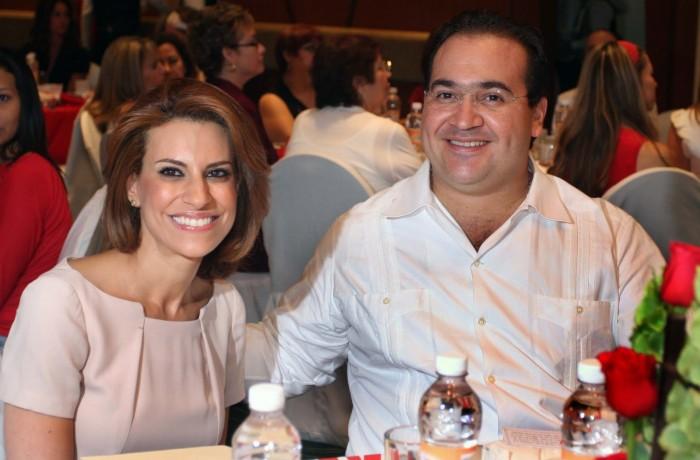 Joyas, propiedades, parientes en nómina: la red de Karime Macías, esposa de Javier Duarte