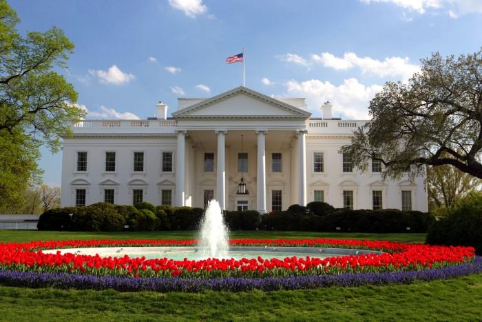 Renuncia director de Comunicación de la Casa Blanca