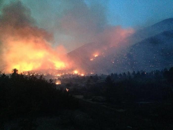 Combate Municipio incendio en La Catana