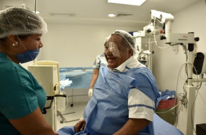Ofrece Municipio cirugías de cataratas a bajo costo