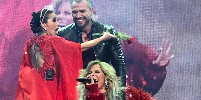 Rafael Amaya sorprende a Alejandra Guzmán y Gloria Trevi durante concierto