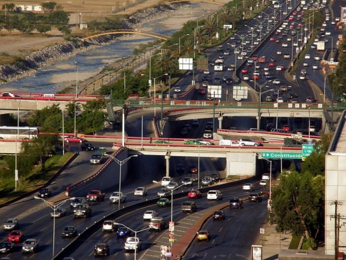 Estado va contra autos foráneos