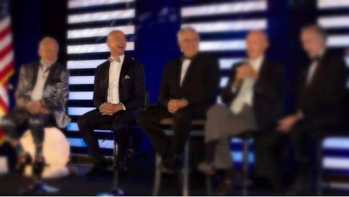 Jeff Bezos supera a Gates como el hombre más rico del mundo
