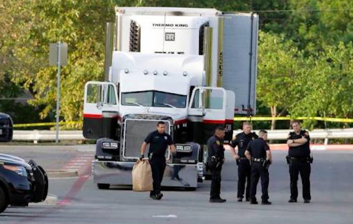SRE confirma que 25 mexicanos viajaban en tráiler abandonado en Texas