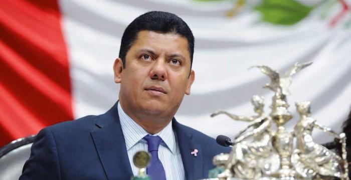 Presentan primera denuncia formal contra titular de SCT por socavón en Paso Exprés