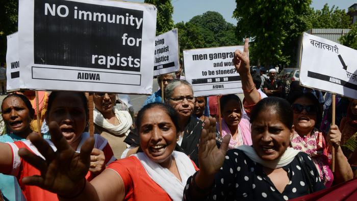 Da a luz una niña de 10 años violada por su tío a la que se le negó el aborto en India